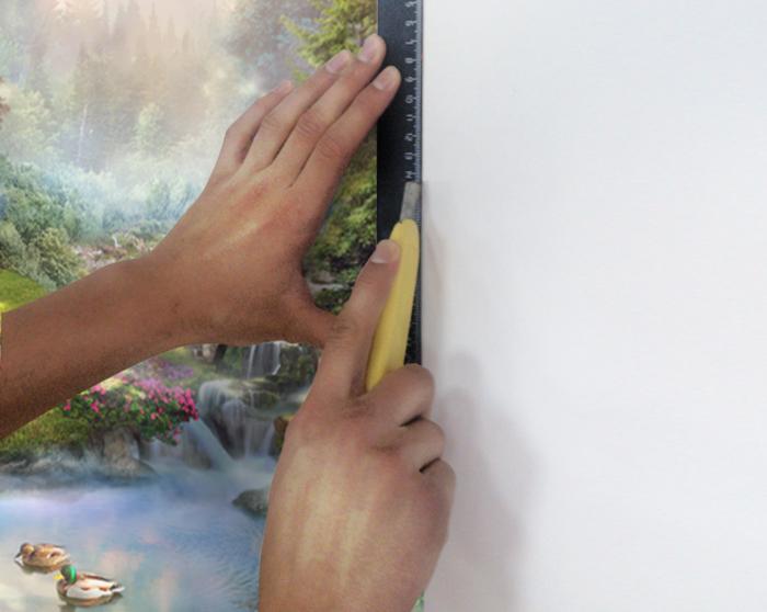 Рис. 9. Край полотна подрежьте острым ножом по линейке или шпателю.